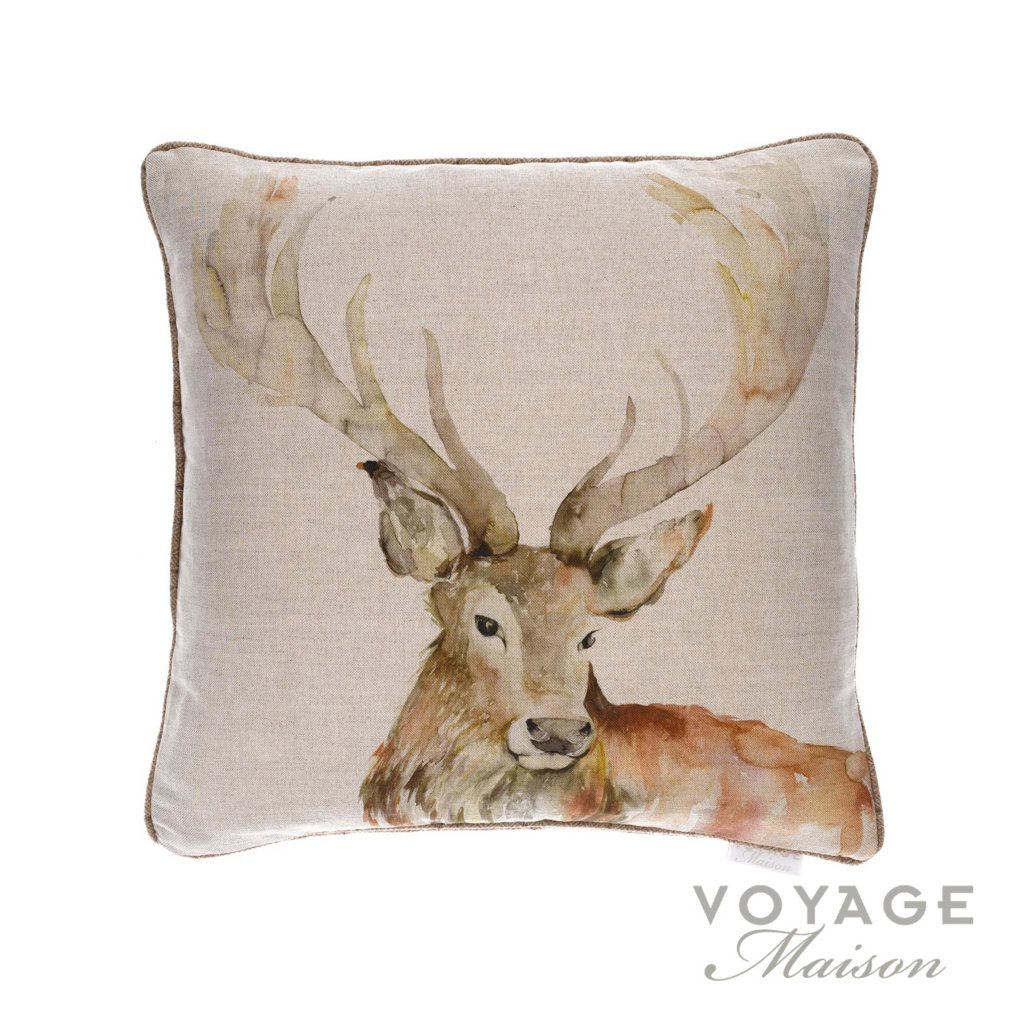 Voyage maison country gregor linen stag cushion