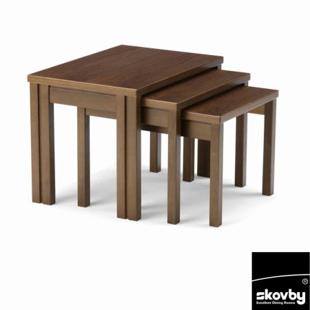 8524/Skovby/SM224-Nest-of-Tables-In-Walnut-Finish