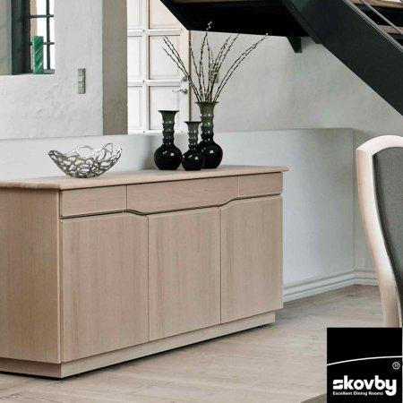 5206/Skovby/SM303E-3-Door-Sideboard