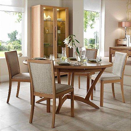 9445/Vale-Furnishers/Carlson-Oval-Extending-Dining-Table