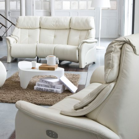 7516/Himolla/Chester-Cumuly-Sofa-Collection
