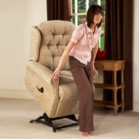 6714/Vale-Furnishers/Wentworth-Standard-Riser-Recliner