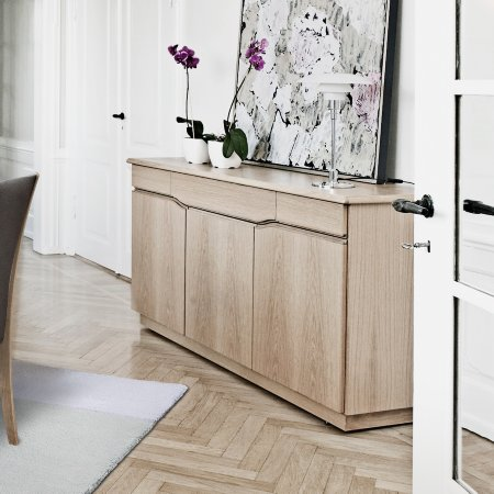 3785/Skovby/SM303-3-Door-Sideboard