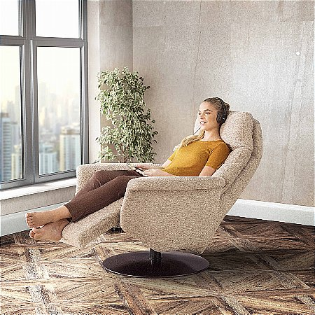 15783/Vale-Furnishers/Freya-Riser-Recliner-Collection